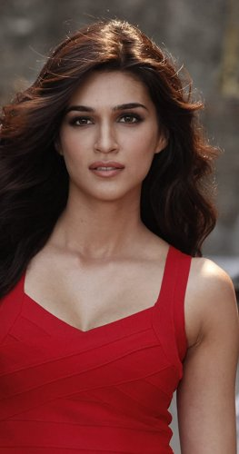 Kriti Sanon is one of the most popular young stars in the film industry. (Credit: IMDb)