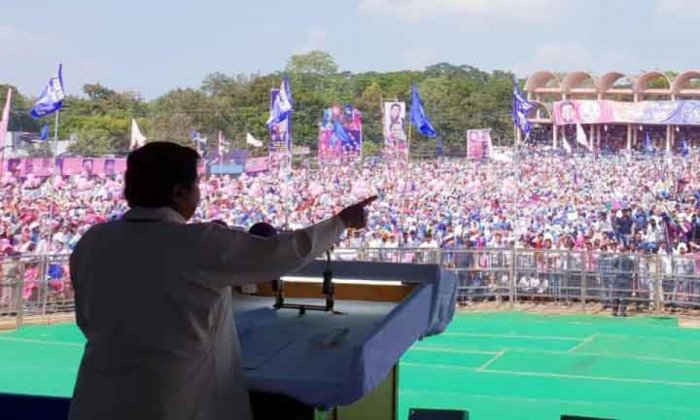 """The Lokniti-CSDS opinion poll claims that the BSP may not be making """"much headway but nonetheless showing potential of hurting"""" the prospects of Congress in Chhattisgarh while the votes it garners could determine whether the BJP will retain Madhya Pradesh (MP)."""