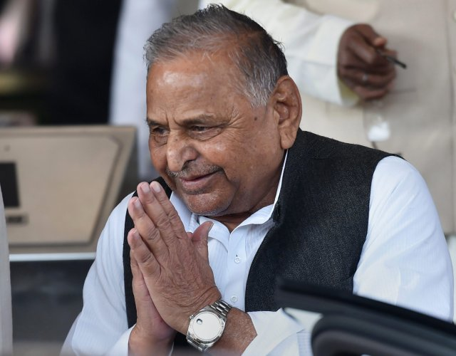 Mulayam Singh had on Thursday met UP Chief Minister Yogi Adityanath and handed him a letter suggesting ways to enable him and others to continue occupying the government bungalows. PTI file photo