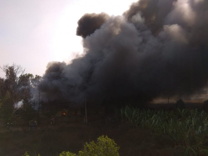 A major fire was reported in a paint factory godown in Madanayakanahalli located near NICE road in Nelamangala on Wednesday afternoon. DH Photo