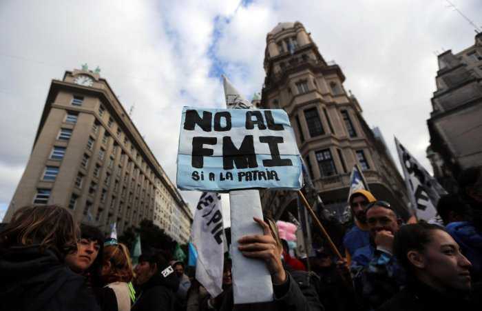 Argentina on Friday received $15 billion, the first tranche of a $50 billion loan from the International Monetary Fund (IMF) to help stabilise its fragile economy, the South American nation's central bank said.