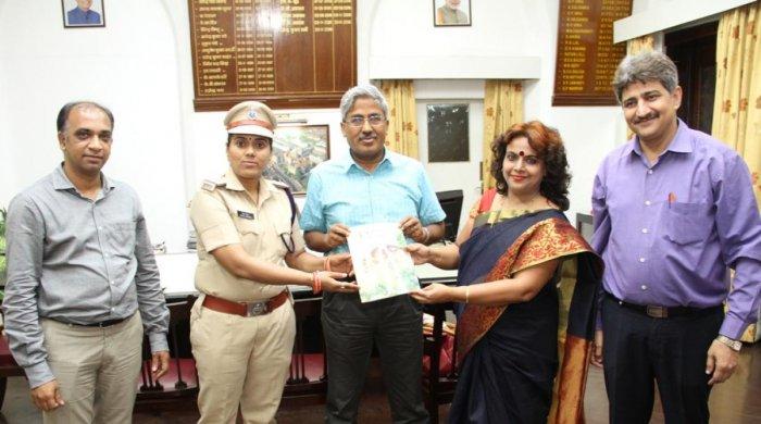 Rekha Mishra (in uniform)