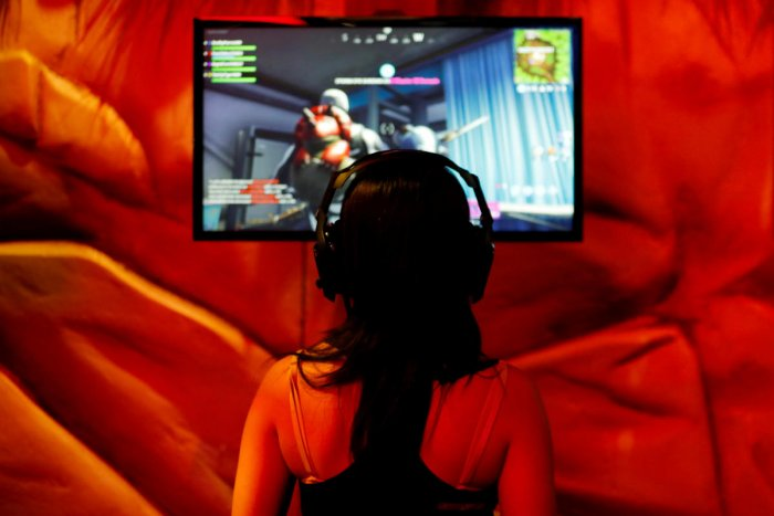 An attendee plays a video game at E3, the world's largest video game industry convention in Los Angeles, California, US. REUTERS Photo