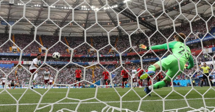 Mexico's Carlos Vela scores their first goal from the penalty spot. World Cup - Group F - South Korea vs Mexico - Rostov Arena, Rostov-on-Don, Russia - June 23, 2018 REUTERS