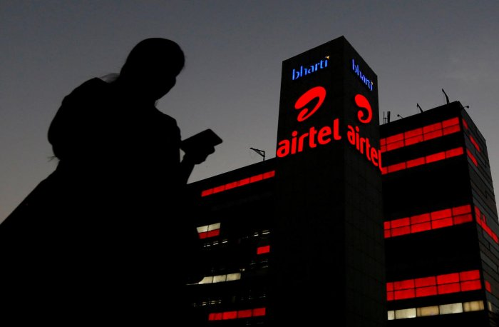 Bharti Airtel's valuation tumbled Rs 10,692.9 crore to reach Rs 2,97,600.65 crore.