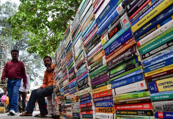 AICTE has also given a list of over 500 books,recommended by a committee of experts, by Indian authors on various engineering subjects for consideration to the heads of higher education institutions.