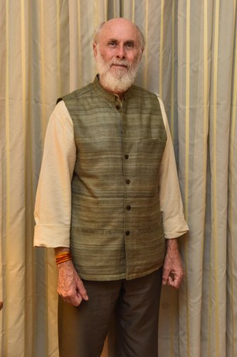 learned David Frawley has studied Vedic texts, Ayurveda and Astrology.
