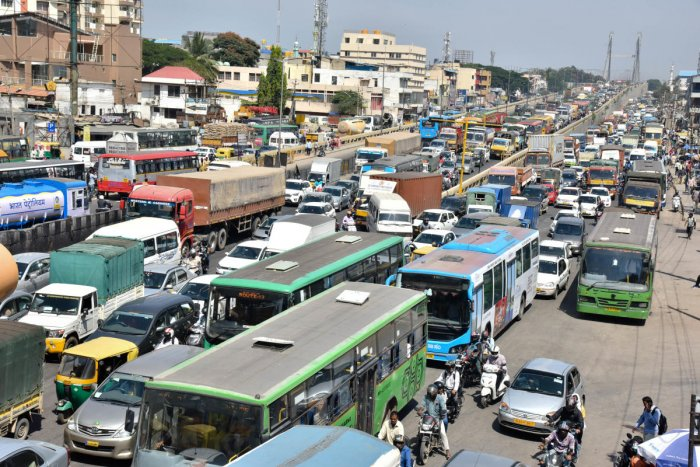 Road sensors might help ease Bengaluru's traffic jams. DH file photo