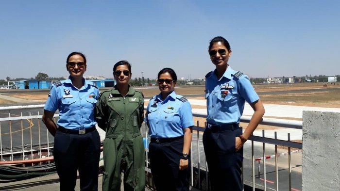 (From Left) Wing commander Divya Yadav, Flight lieutenant Hina Jaiswal (flight engineer), Wing commander Aparna Bisht, ATC Officer, Squadron Leader Sneha Shekhawat.