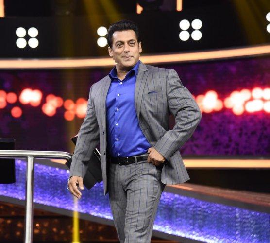 BUOYANT Salman Khan