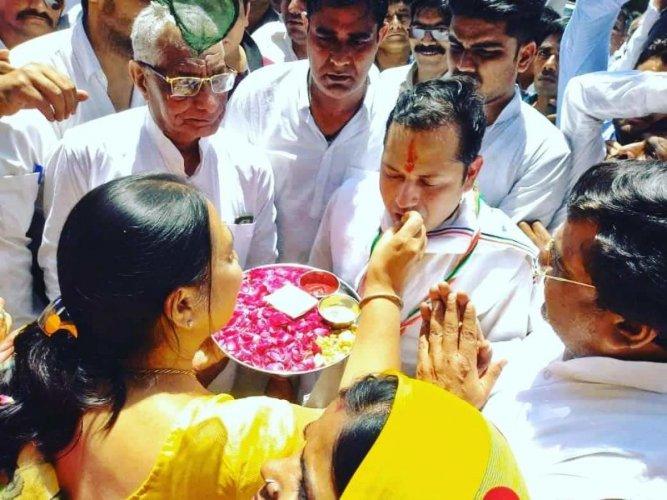 Chief Minister Ashok Gehlot's son Vaibhav Gehlot, Congress candidate from Jodhpur constituency, kicks off his maiden poll campaign in Jodhpur.