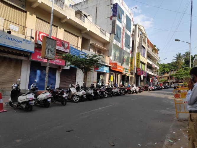 Two days prior to Ugadi, shops on DVG Road are closed and the street sees no activity at 4 pm.