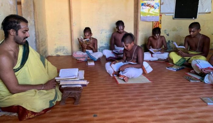 Anandashram, founded by Paramahamsa Ithyadi Satagopa Ramanuja Jeeyar is grappling with problems of infrastructure.