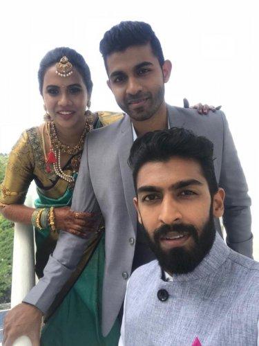 Vinay Rajkumar with brother Yuva and his bride Sridevi.