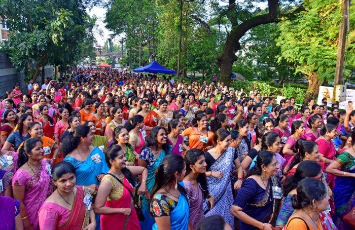 Women clad in saree take part in Saree Walk and Run at Gandhi Park in Mannagudda, Mangaluru, on Sunday.