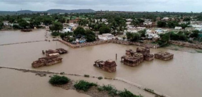 The floods that hit North Karnataka in August this year. DH File Photo