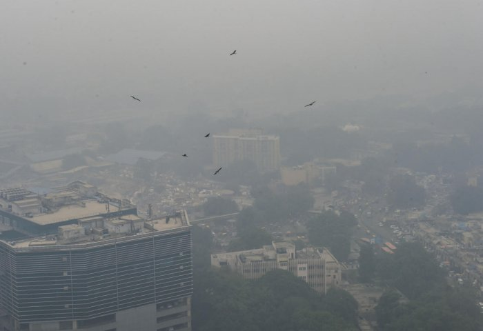 Delhi's air quality remained in the poor category on Wednesday morning with an AQI of 282. Photo/PTI