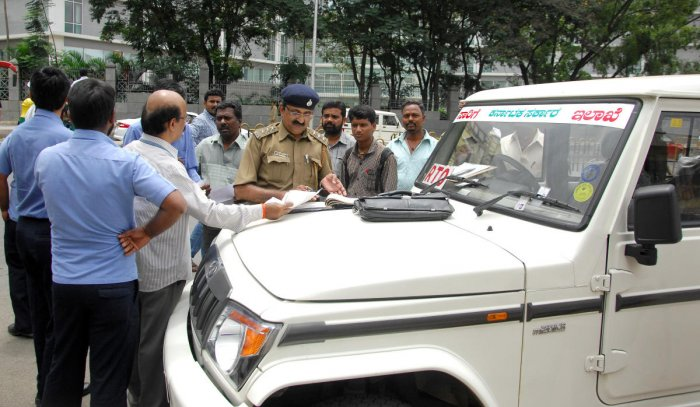 About 300 posts of transport inspectors are vacant, limiting drives to check vehicles that flout rules. DH FILE PHOTO