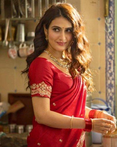 Fatima Sana Shaikh in her 'Marathi Mulgi' avatar. (Credit: Twitter/@fattysanashaikh)