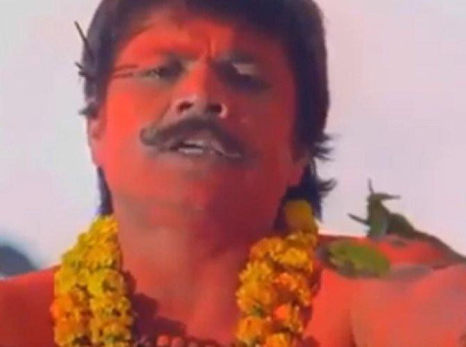 Rajpal Yadav in Akshay Kumar's Bhool Bhulaiyaa. (Credit: Youtube)