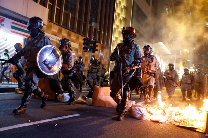 The meal and work-related allowances were on top of HK$950 million overtime pay that police have earned since the protests intensified in June, according to the figures released to city legislators on Friday. Photo/Reuters