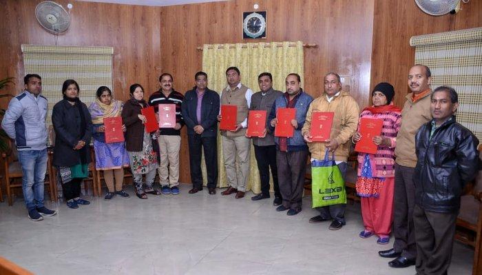 The eight Pakistani migrants receiving citizenship in Kota
