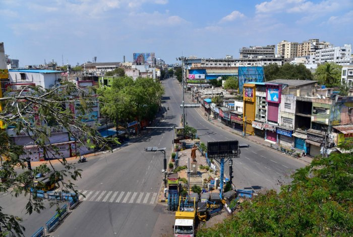 City streets wear deserted look during Janta curfew in the wake of deadly coronavirus, in Hyderabad, Sunday, March 22, 2020. (PTI Photo)