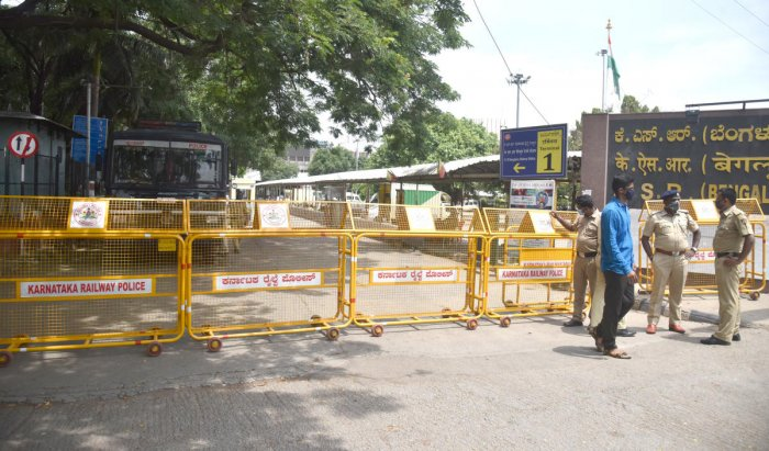 One employee had visited the divisional railway office, located near the KSR Bengaluru station, before he tested positive. DH FILE/S K Dinesh