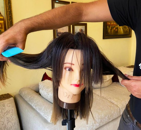 Sectioning the hair before cutting