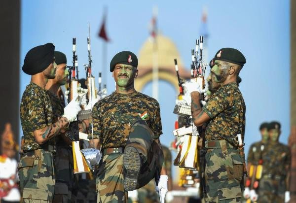 Army jawans perform during Kargil Vijay Diwas celebrations at India Gate, New Delhi in 2019. Credit: PTI