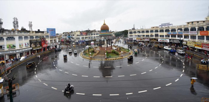 K R Circle in Mysuru, that looks clean after a spell of rain. Credit: DH Photo