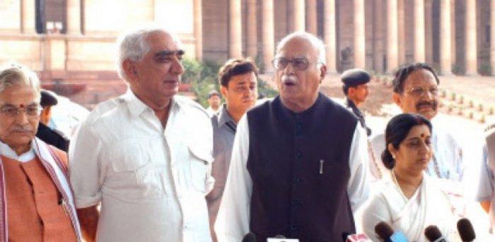 BJP leaders Murli Manohar Joshi, Jaswant Singh, L.K.Advani , Sushma Sawaraj, B.K.Khanduri and Vijay kumar Malhotra talking to media in New Delhi on Monday June 28, 2004. Credit: DH Archive