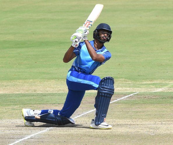 Karnataka teenager Devdutt Padikal has amassed 456 runs from eight games in the ongoing Vijay Hazare Trophy, giving a strong poof of his talent. DH PHOTO/ SRIKANTA SHARMA R