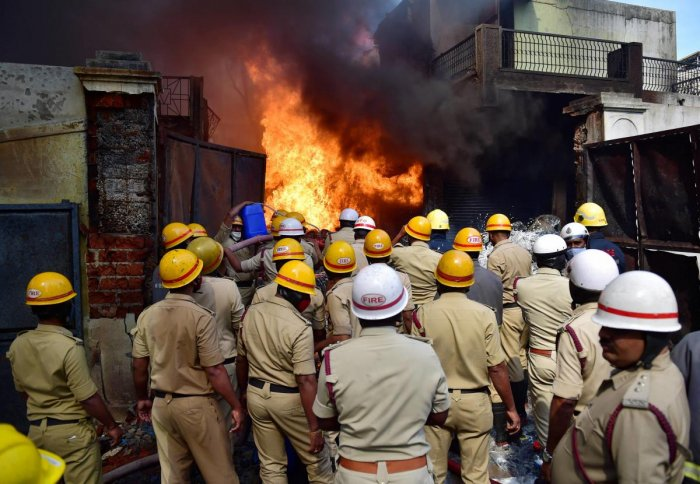 Bengaluru: Fire fighters try to douse a fire which broke out in a chemical factory, in Bengaluru, Tuesday, Nov. 10, 2020. (PTI Photo/Shailendra Bhojak) (PTI10-11-2020_000089A)