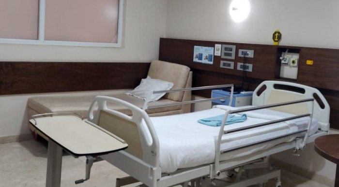 Covid patients will be referred to private hospitals only if government facilities reach 90% bed occupancy. DH FILE