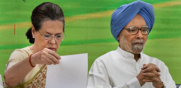Congress president Sonia Gandhi and former PM Manmohan Singh. Credit: PTI Photo