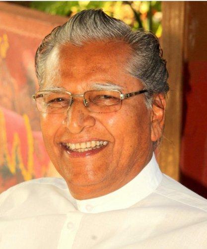Dr T B Solabakkanavar