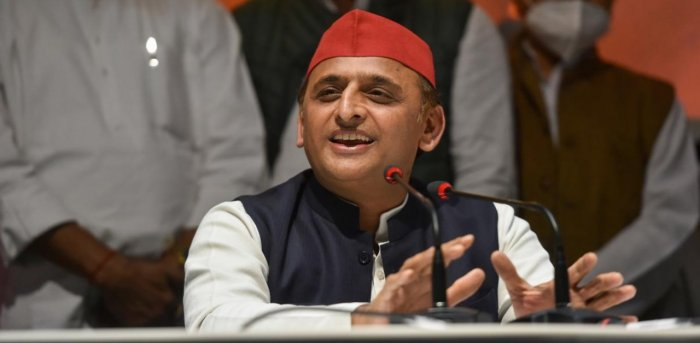 SP chief Akhilesh Yadav intends to forge an alliance with smaller parties. Credit: PTI Photo