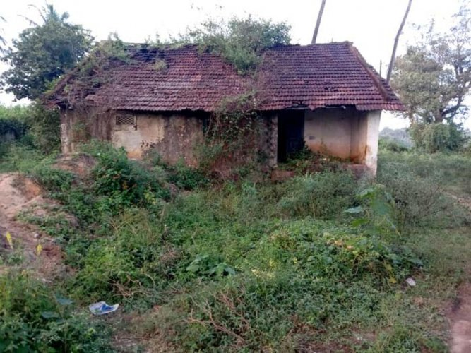The dilapidated condition of the quarters of the ASI at Kodlipete.