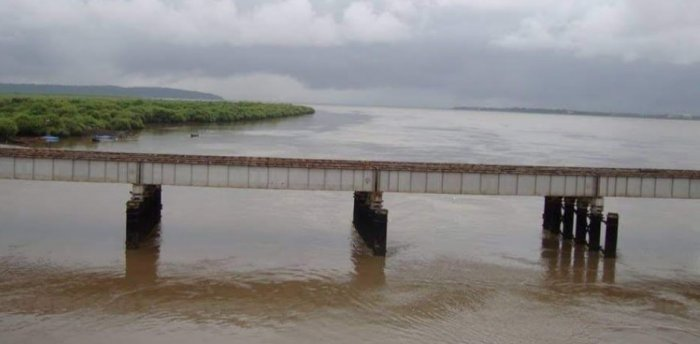 The bridge connects Naigaon in Palghar district to Bhayander in Thane district – and goes over the tiny Panju Island. Credit: DH File Photo