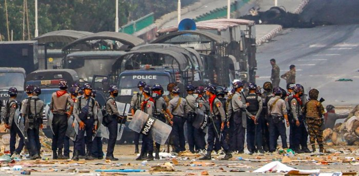 Myanmar police officer killed in protests | Deccan Herald