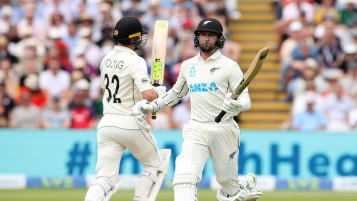 Conway and Young put NZ in charge against England on day 2 of 2nd Test