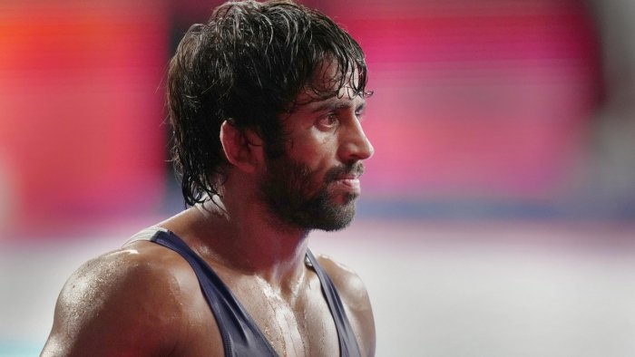 A day of mixed emotions for wrestler Bajrang Punia's family | Deccan Herald