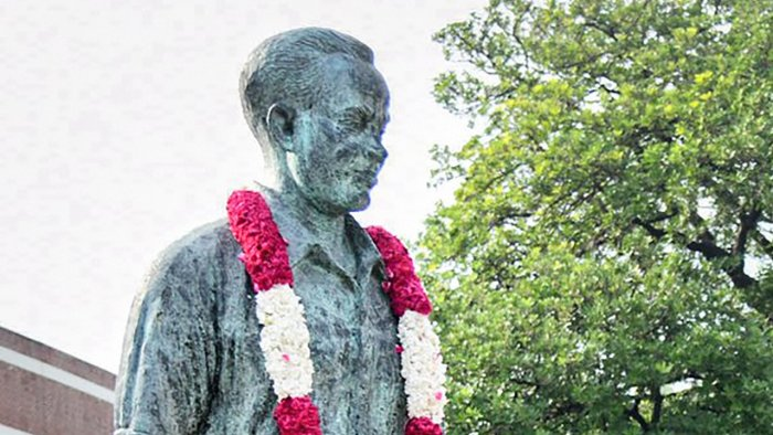 A statue of hockey wizard Major Dhyan Chand. Credit: PTI File Photo