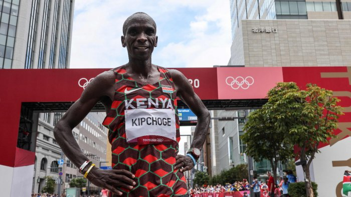 Kenya's Eliud Kipchoge poses after winning the men's marathon final during the Tokyo 2020 Olympic Games in Sapporo. Credit: AFP Photo