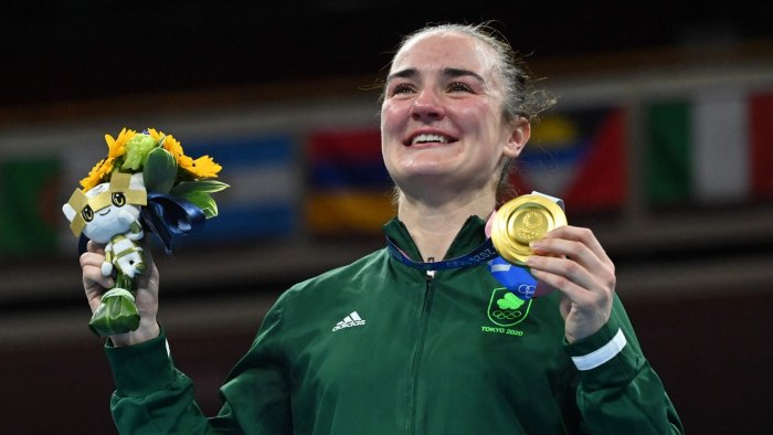 Irish boxer Kellie Harington poses with her women's lightweight division gold medal. Credit: AFP Photo