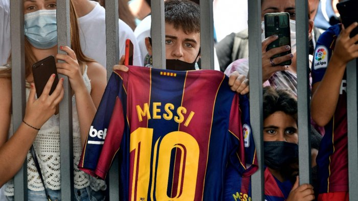 Fans outside the Camp Nou stadium. Credit: AFP Photo