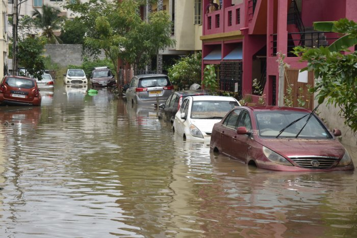 Sri Sai Layout, near Vaddarapalya on Agara Main Road, Hennur, was among the many areas in Bengaluru flooded after last week's downpour. DH Photo by S K Dinesh
