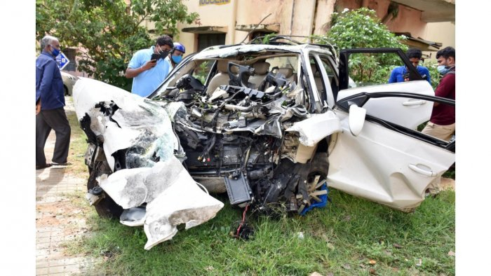 Y Karuna Sagar, son of an MLA from Hosur, crashed his luxury car into a wall in Koramangala and died on August 31, reportedly after partying with his friends. DH Photo by B K Janardhan