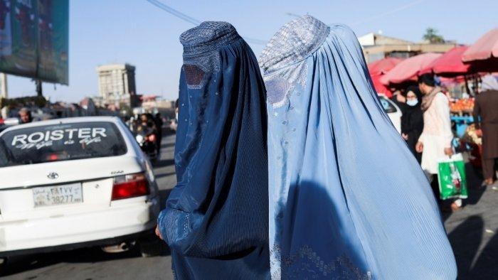 Afghan women walk down a street in Kabul, Afghanistan, September 16, 2021. Picture taken on September 16, 2021. Credit: WANA (West Asia News Agency) via Reuters